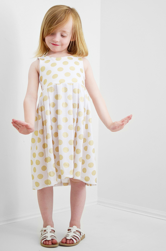 istillloveyou-golddot-dress-sewing-1